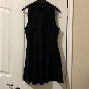 Tildon black sleeveless dress